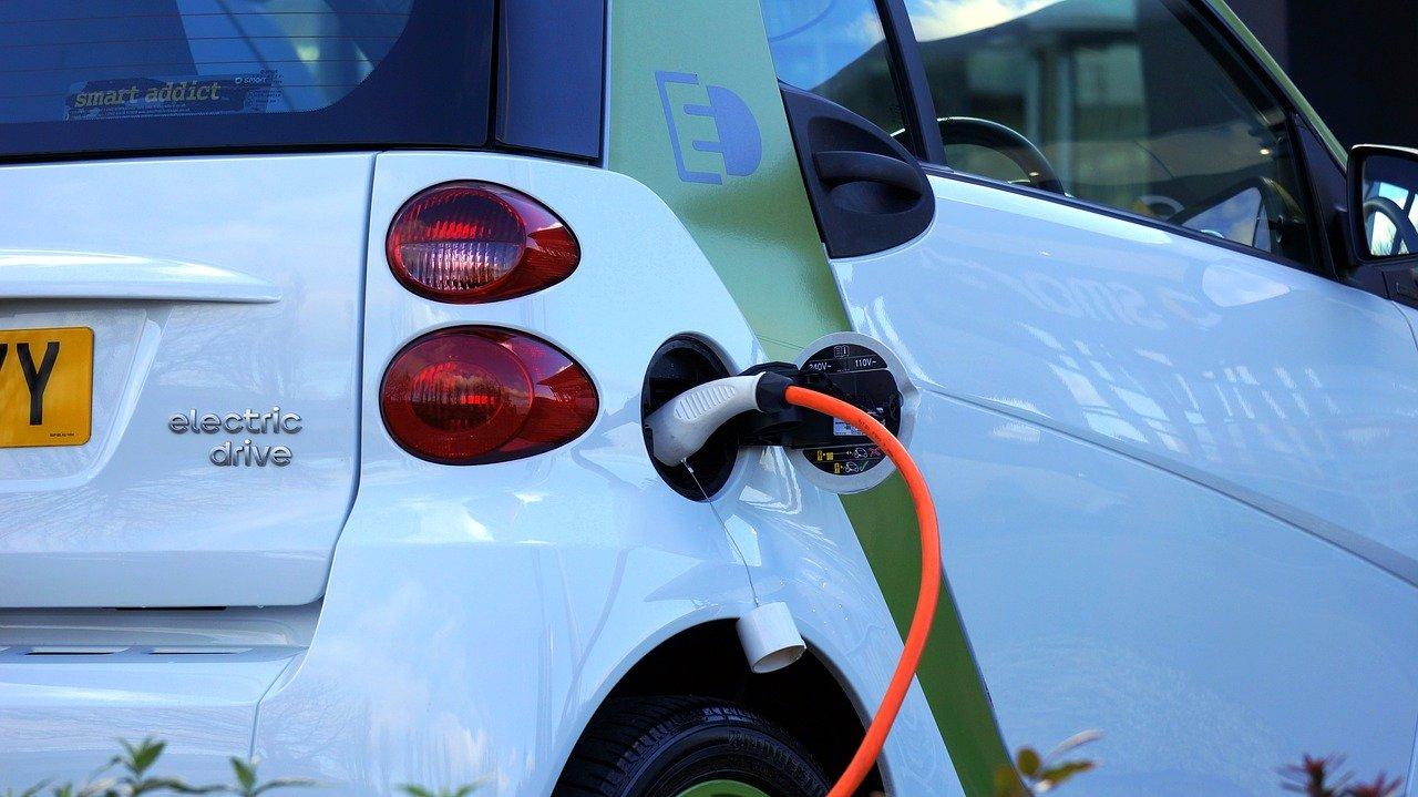 Gestión de carga bidireccional para coches eléctricos